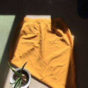 vintage plus size yellow skirt 🌼